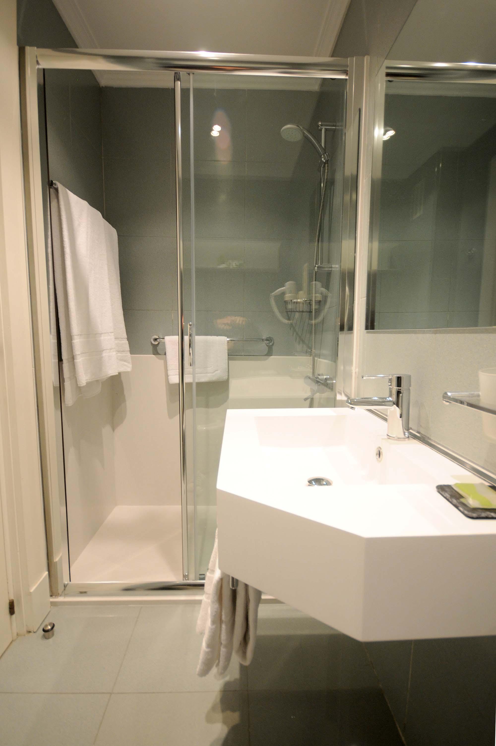 Cambio Bañera por Ducha de DuchaYa en Donosti Hotel Niza 6
