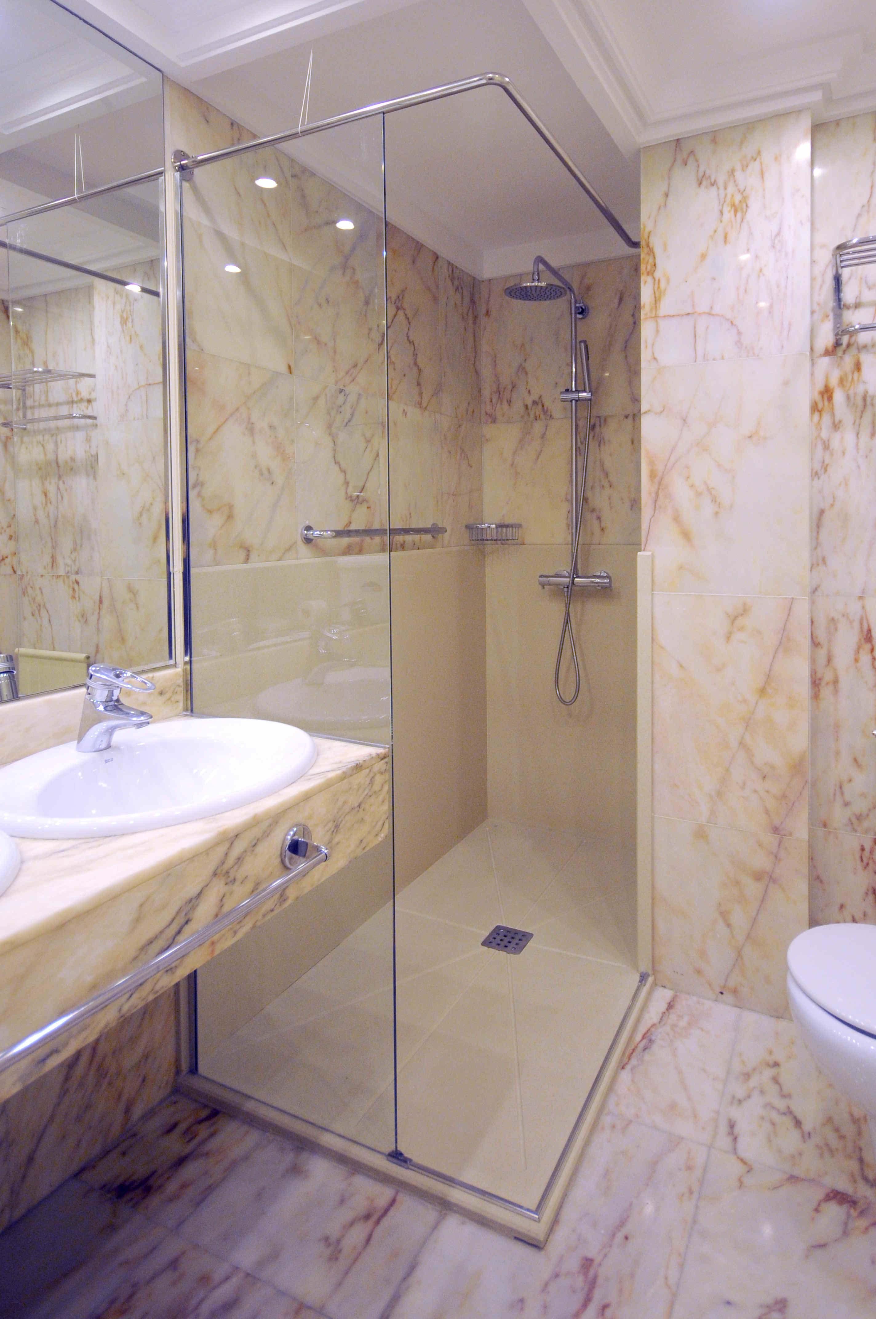 Cambio Bañera por Ducha de DuchaYa en Donosti Hotel Londres 3